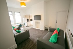 8 RoOMs AVAILABLE!